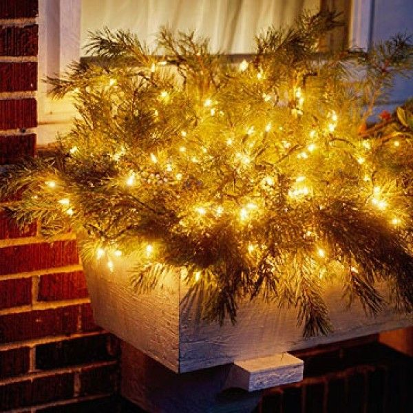 Great Window Box Chic Outdoor Christmas Lights Decorating Design