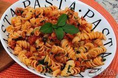 Receita de Fusilli ao molho de linguiça toscana em Massas, veja essa e outras receitas aqui!