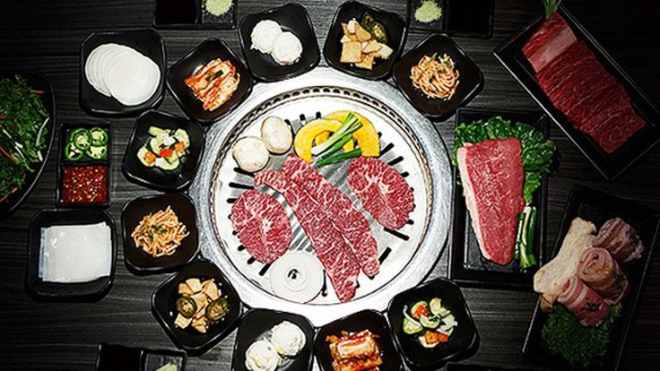 Need more pork belly to sear on your tabletop grill? The robot will be right over. The wildly popularGen Korean BBQ Househas opened its third Northern California restaurant in Fremont — and with it comes wheeled robots with flashing green-and-blue LED lights. The chain launched a pilot program in June at its Montclair restaurant in […]