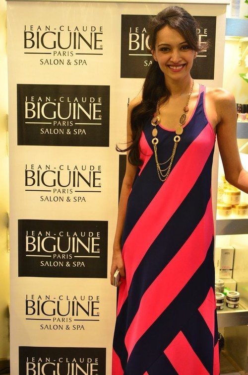 Dipannita Sharma, Shruti Seth at Jean-Claude Biguine Salon & Spa launch