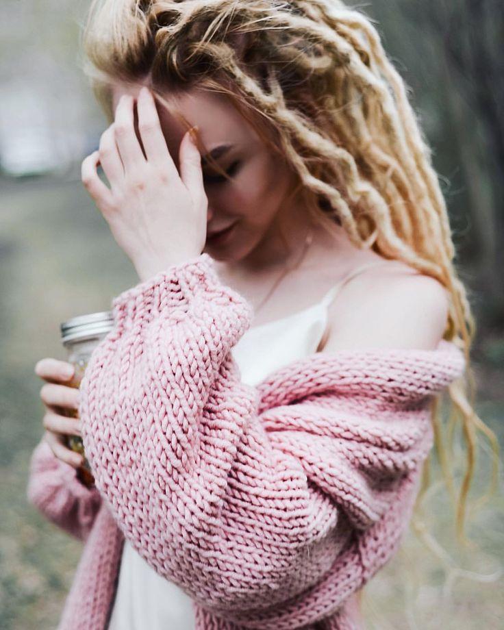 Dreads dread look lookbook girl pink summer hair style  345 отметок «Нравится», 12 комментариев — ВидеоблогерФотограф Екб (@nastyachuck) в Instagram: «Посмотрите на это зефирное облако ☁️ Обожаю все розовое и нежное, в моей коллекции появился безумно…»