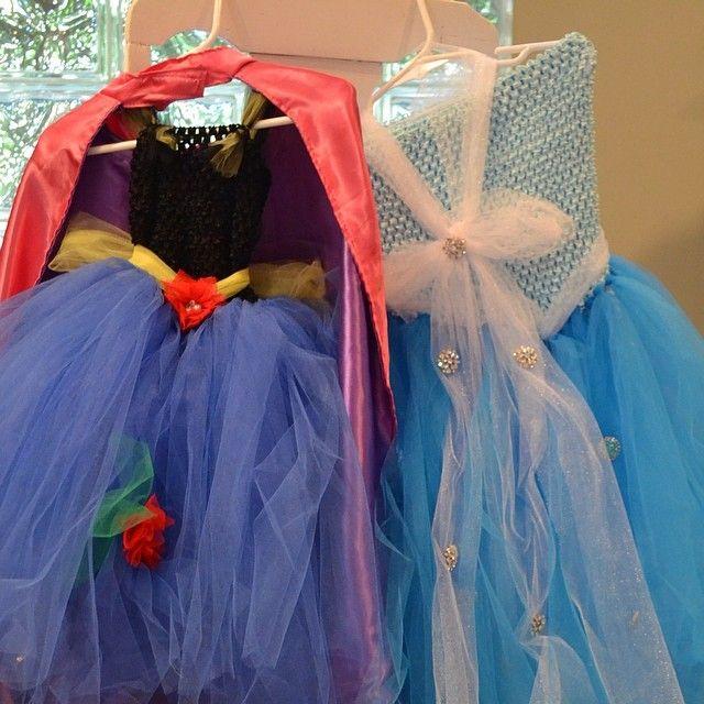A Princess Party - DIY Frozen Dresses #frozen #DIYElsa #DIYAnna