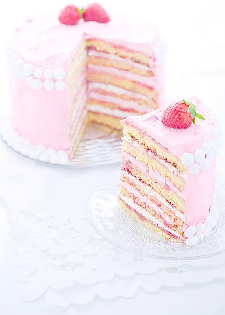 Torta a strati Primavera (Strawberry Spring Layer Cake)