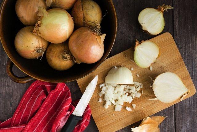 魔法の調理法!「シャリアピンステーキ」でどんな肉でもしっとり柔らかに - macaroni