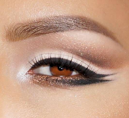 Double Winged Cat Eye