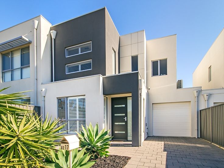 #Townhouse #PortNoarlunga. Call #Professionals #Christies #Beach, #RealEstate agency - 08 8382 3773. #Modern