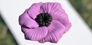 Brosa - floare violet