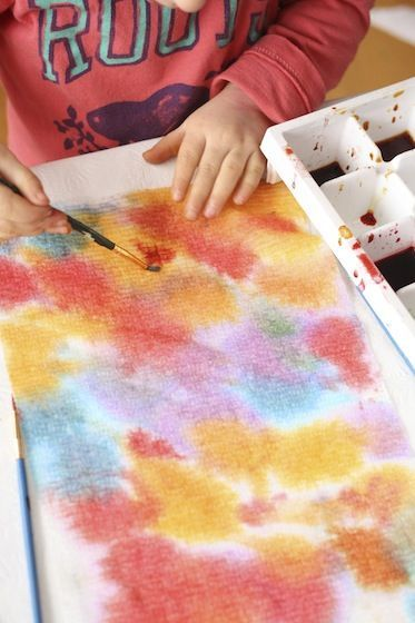 Toddler Art with Paper Towels and Liquid Watercolours