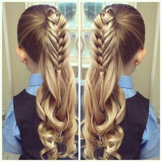 Ponytail braid with curls