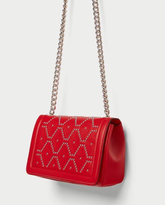 nouveau style f4680 b2813 SAC BANDOULIÈRE EN CUIR À CLOUS de Zara - Rouge OU Noir ...