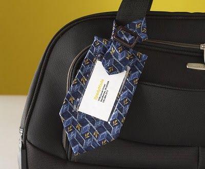 gravata+velha+usada+como+tag+para+bagagem.jpg (400×330)