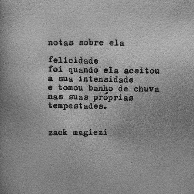"""""""Boa semana.                                                                    #zackmagiezi                                                               #notassobreela (Beijos asmáticos)"""""""