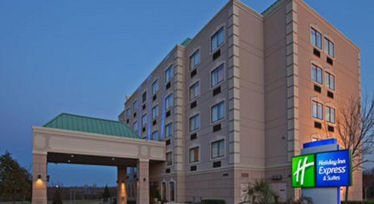 Holiday Inn Express Hotel and Suites Mesquite Mesquite Located just 5 minutes' walk to the Mesquite Convention Center and ProRodeo, this hotel offers free Wi-Fi. A heated indoor pool and hot tub are located on site. Dallas city centre is 10 miles away.