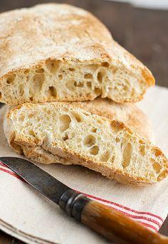 Haz tus propias chapatas con una receta de pan chapata, de la mano del blog Uno de Dos. Y después de hacerlas, prueba nuestros panes Etxeko, Omega 3 y Fibra, compara... y ¡cuéntanoslo! #hazteunpansano Pansano www.pansano.net