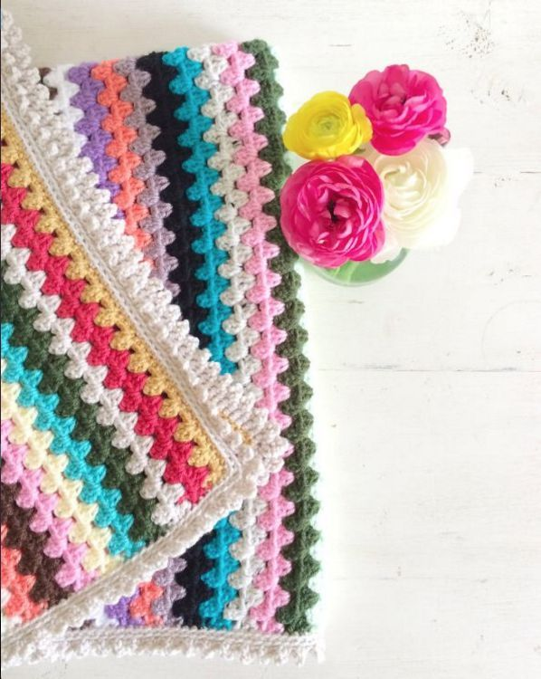 See how to crochet 3 beautiful edges to finish your project in style (video & written pattern)