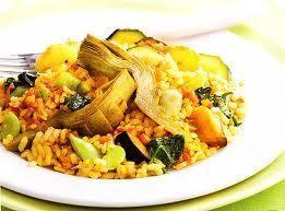 http://comeconsalud.com/recetas-cocina/receta-paella-vegetariana-baja-en-calorias/   .   .   .   . Esta versión baja en calorías de este tradicional plato, permite que continuemos disfrutando de la auténtica cocina mediterránea. La carne ha sido sustituida por verduras.