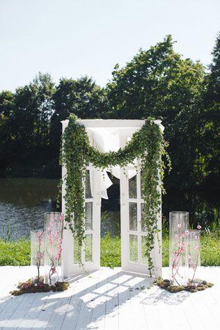 Таинственный лес, свадебная арка - The-wedding.ru