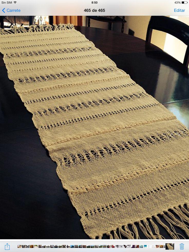 Camino de mesa con variedad de punto tejido en algodón en telar Ashford.
