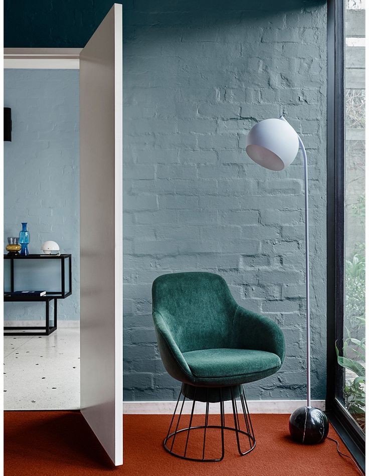 Oct 2019 - Comeback's serene and refreshing tonal blue palette is right at home in a bedroom. Tap into the terrazzo revival with graphically patterned textiles. From the Dulux 2020 Colour Forecast trend 'Comeback'. Dulux Blue, Color Trends, Design Trends, Dulux Australia, Sweet Home, Pall Mall, Interior Decorating, Interior Design, Zara Home