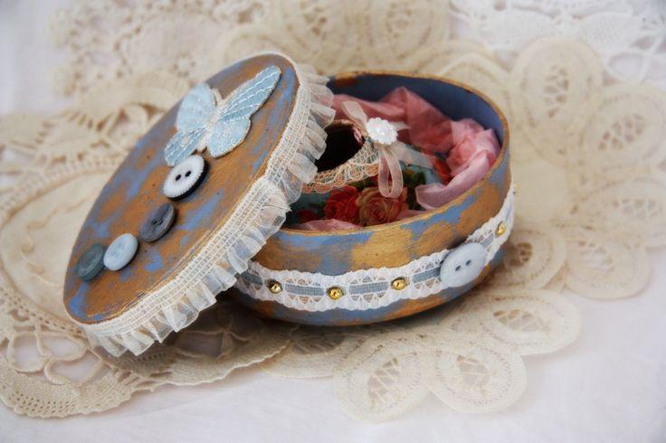 Baby shoe box