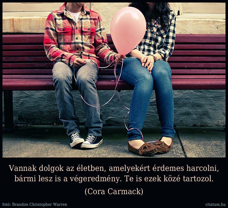 A hét idézete Cora Carmack Színáték című regényéből.