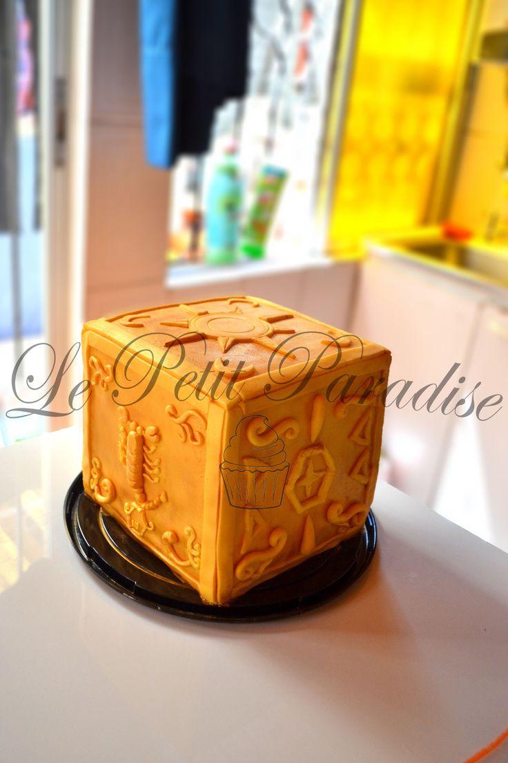 ♔Torta Caballeros del Zodiaco Escorpion Box♔  Manjar & Walnut Cake  https://www.facebook.com/petit.paradise/photos