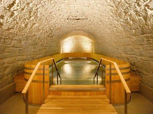 Thermalbad Zürich-Umwandlung einer Brauerei in ein Spa Thermal bath