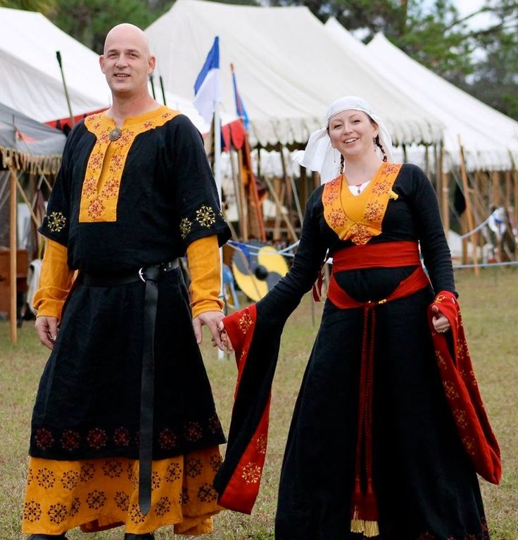 53 Best Images About Medieval Dress On Pinterest: 46 Best Images About 12th Century Garb (recreations) On