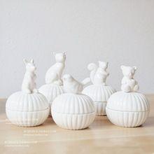 Blanco pequeño animal de cerámica caja de almacenamiento de accesorios caja de la joyería collar pendiente del perno prisionero De Cerámica Azucarero Bote(China (Mainland))