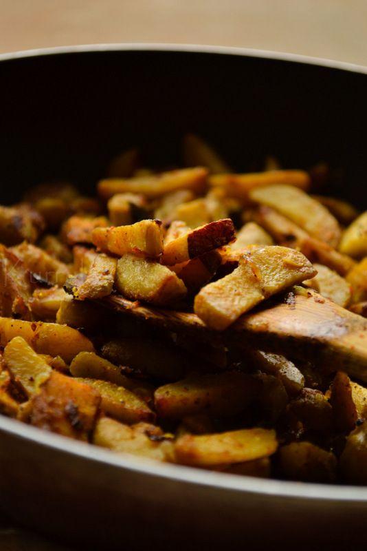 Koorka Mezhukkupuratti | Chinese Potato Fry | kurryleaves