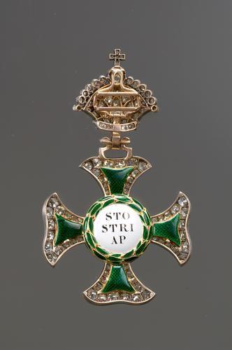 Saint Stephen Order, Grand Cross badge with diamonds, 1st half 19th C., H. 83mm., by Joseph und Anton Biedermann, Kunsthistorisches Museum, Vienna. Rev.