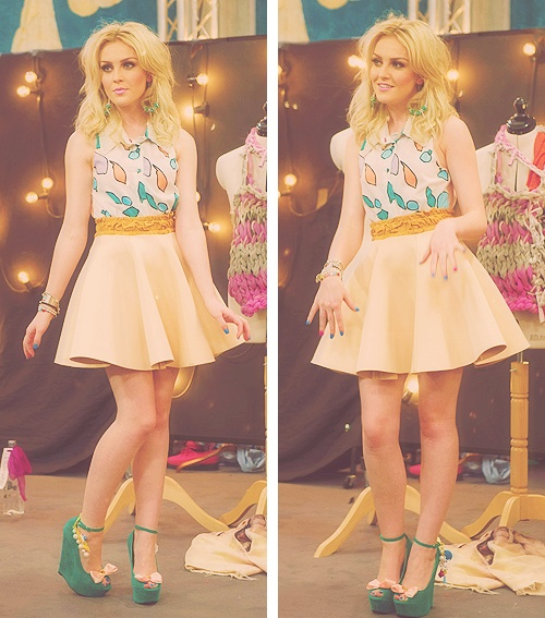 Perrie from Little Mix....Why can't j be as pretty as you?? @Kristján Örn Kjartansson Gruber Edwards