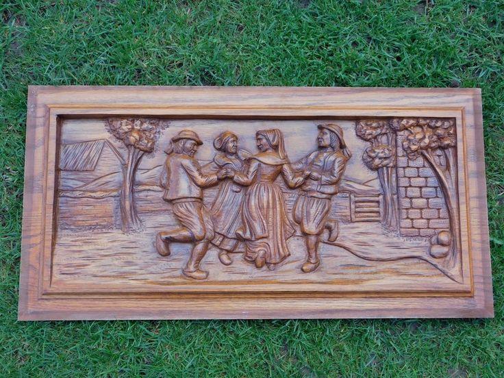 plaque en bois massif sculptee d 39 une scene de danse bretonne 32cmx64cm f424 ornements frontons. Black Bedroom Furniture Sets. Home Design Ideas
