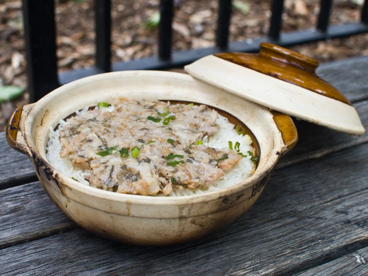 Bao zai fan, or little pot rice, consists of rice cooked in a ceramic casserole dish of sorts topped with other ingredients and served in the cooking vessel. Popular varieties include spare ribs (pai gu bao zai fan) and Chinese sausage with preserved meat (la wei bao zai fan). Then there's congee—rice porridge—a breakfast staple often eaten with such intensely flavored items as fermented tofu or preserved eggs.