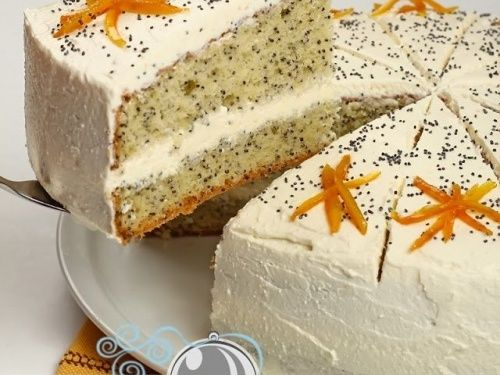 Tort cu mac si crema de branza - http://www.gustos.ro/retete-culinare/tort-cu-mac-si-crema-de-branza.html
