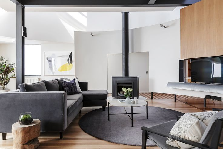 Hidden architect treasure, flexible lifestyle haven at 423 Napier Street, Fitzroy: http://bit.ly/2wViVnF.     Click here for the Statement of Information which includes the indicative selling price for the property: http://bit.ly/2whqSBo.