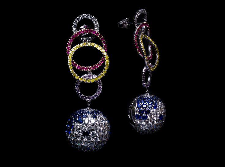 Taormina Earring - #digregorio_milano #digregoriogioielli_milano #whitediamonds #yellowdiamonds #sapphires #amethyst #rubies #colourfull #multicolor #whitegold #earring #trinacria #geometries #jewel #jewellery #finejewellery #luxury