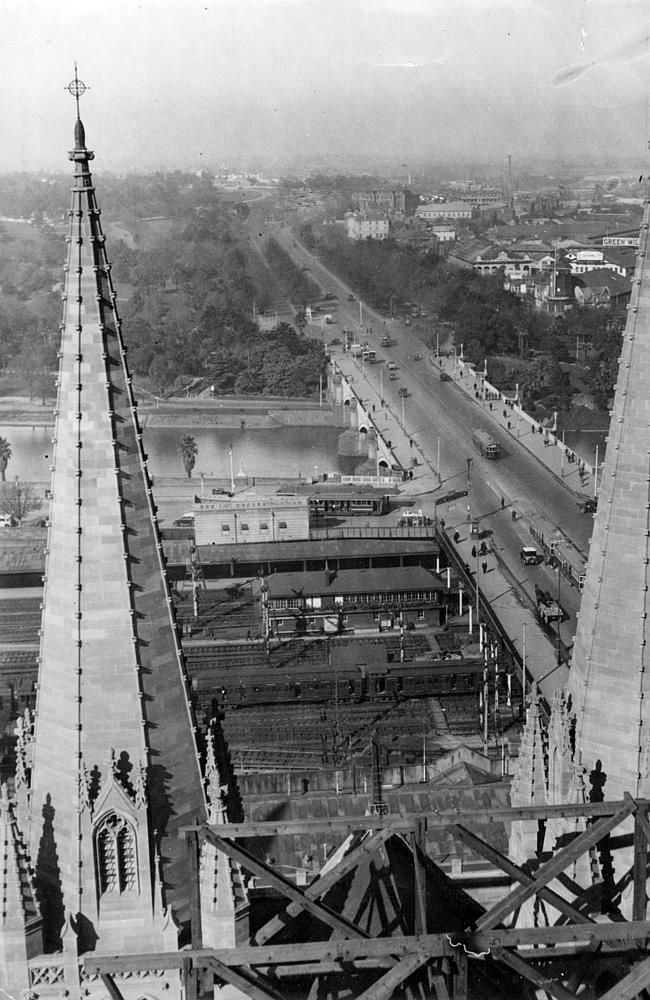 1930: View of Princes Bridge from St Paul's Cathedral.