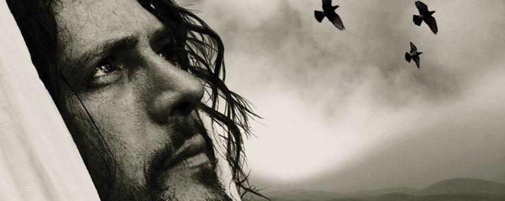 """Desde a Páscoa estamos estudando os últimos acontecimentos de Jesus entre nós baseados no evangelho de João. Até aqui falamos da incredulidade de Pedro, do seu pecado, como o Senhor Jesus o havia sustentado para não cair, e quando caiu como o havia restaurado ao ponto de ele dizer 3 vezes que o amava, ao que Jesus disse: então SEGUE-ME. Há um Louvor que diz: """"Cada Estrada em que eu andei, eu pensei daria certo, toda terra em que habitei, terminou em um deserto.."""""""