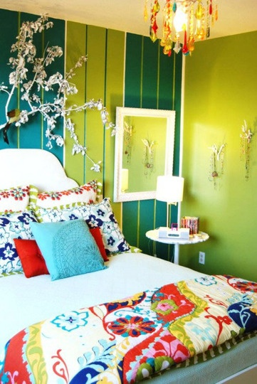 i absolutely love this!!: Decor, Ideas, Stripes Wall, Bedrooms Design, Green Wall, Bedspreads, Beds Spreads, Eclectic Bedrooms, Bright Colors