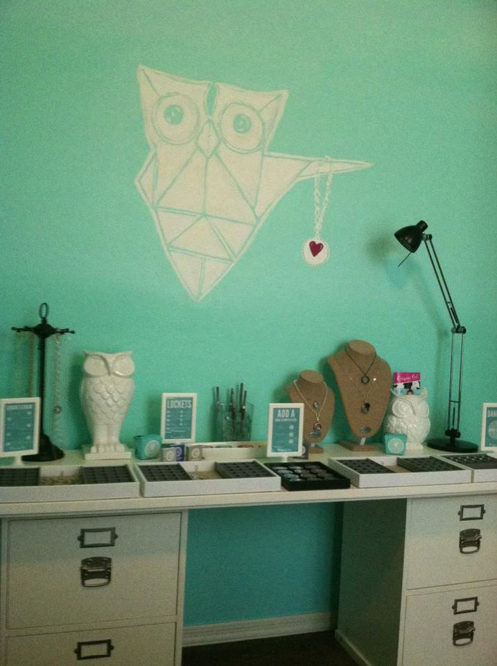 I would die to have an Origami Owl office! I love it!
