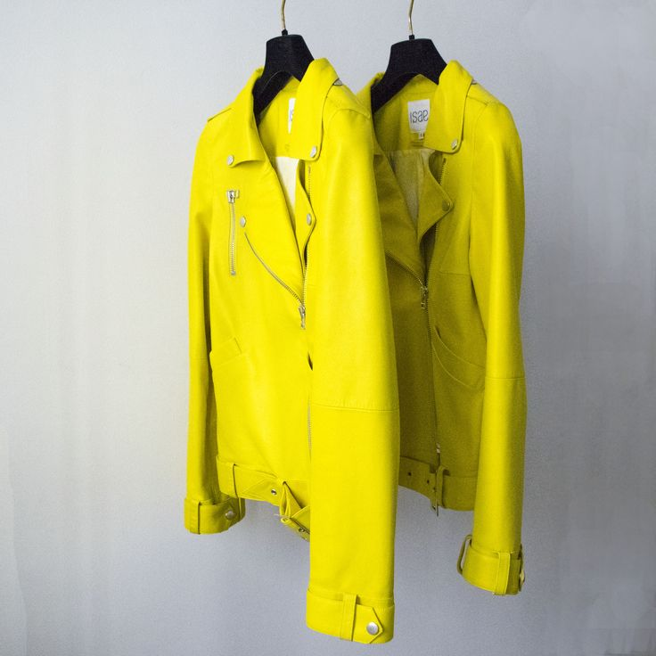 ADA YELLOW SHEEN N°110 #ISAE #ISAESTUDIO #MADEINFRANCE #FRANCE #PARIS #PARISIAN #FOUNDER #YELLOW #PERFECTO #WOMAN #LEAT`HER #LEATHERBICKERJACKET #LUXURY #FASHION