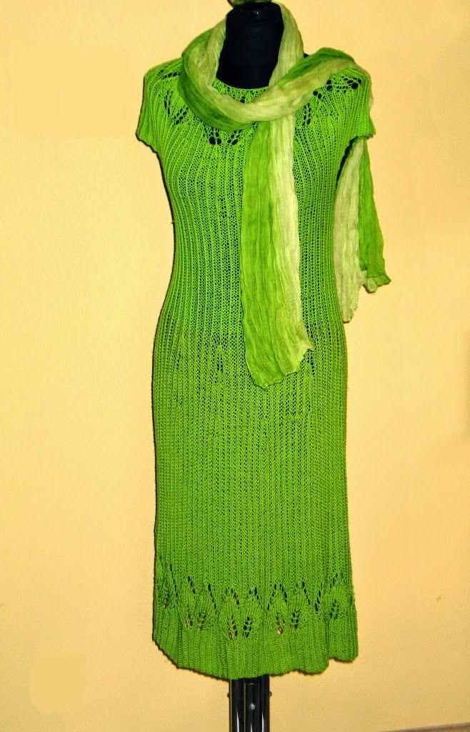 A oto sukienka, która powstała z połączenia włóczki Bahar i Bella w kolorze zielonym. Góra sukienki jest wykonana z włóczki Bella, żeby była trochę przewiewniejsza. Dół - z Baharu - żeby usztywnić sukienkę i nadać jej kształt. Inne kolory tych włóczek są w sklepie Zeberka: www.sklep-zeberka.pl