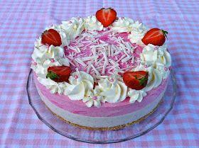 Mariannea ja mansikkaa, niistä on tämä kakku tehty. Ihanan raikas ja kesäinen, ehkä paras kakku mitä olen pitkään aikaan maistanut. Tämä on...