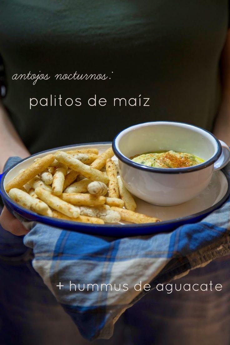Juliana con Sal: palitos de maíz + hummus de aguacate