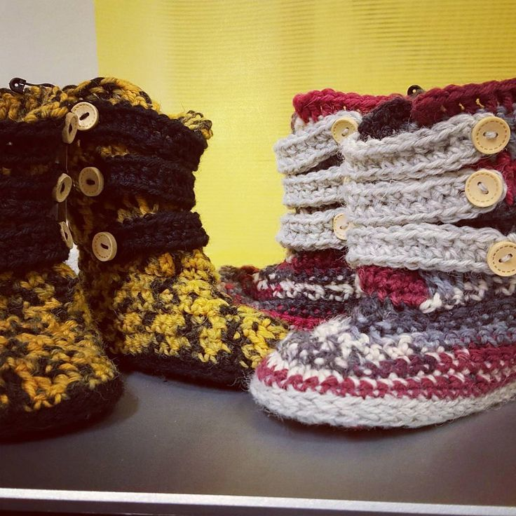 Strappy Toddler Boots (January '17) #ninamarie_fi #crochet #crochetaddicted #patternma #doublesole #virkkaus #virkkaushullu #novita