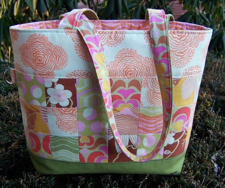 Quilting Bag Designs : 17 Best ideas about Quilted Tote Bags on Pinterest Easy tote bag pattern free, Quilted bag and ...