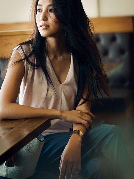 なにかと予定がある金曜日に使える「スキありトップス」厳選3つ  #anecan #fashion #トップス #ピンク  #有村実樹