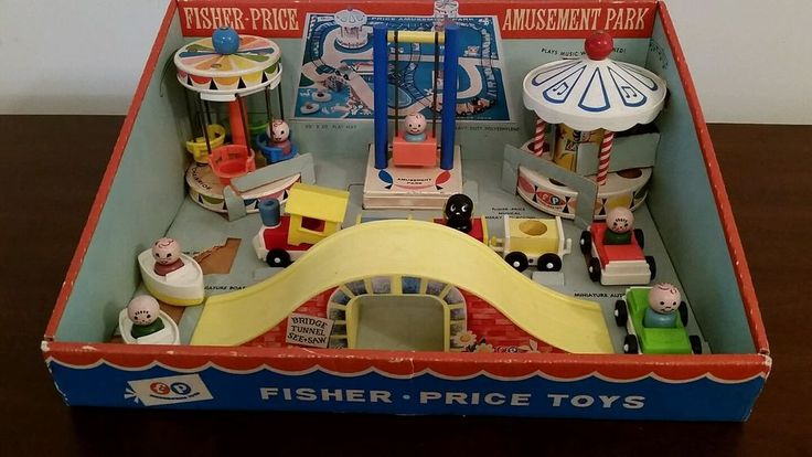 Vintage Fisher Price Little People Amusement Park  #932 with Mat and Box 100%