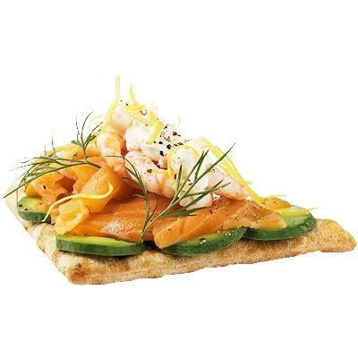 Laxsmörgås med avokado och räkor